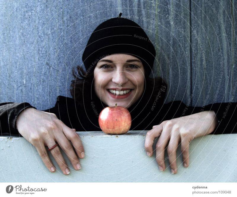 All about Eve IX Frau Mensch Natur schön schwarz Herbst Ernährung Lebensmittel Stil lachen Mode Wetter Mund Frucht sitzen natürlich