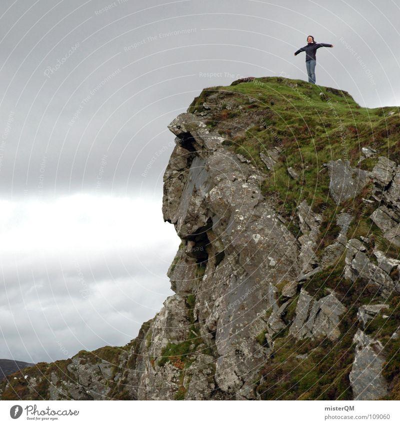 rough peak Mensch Frau Himmel Ferien & Urlaub & Reisen grün Meer Einsamkeit Landschaft ruhig Wolken Freude Ferne dunkel Berge u. Gebirge Leben Gefühle