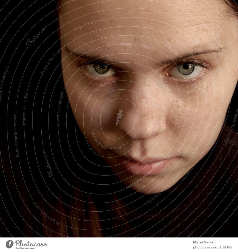 """""""Ja, ja, schon klar"""" skeptisch erstaunt ratlos Denken Skeptizismus Selbstportrait Frau Augenbraue Jugendliche raten Zweifel zweifeln Misstrauen Agnostiker"""