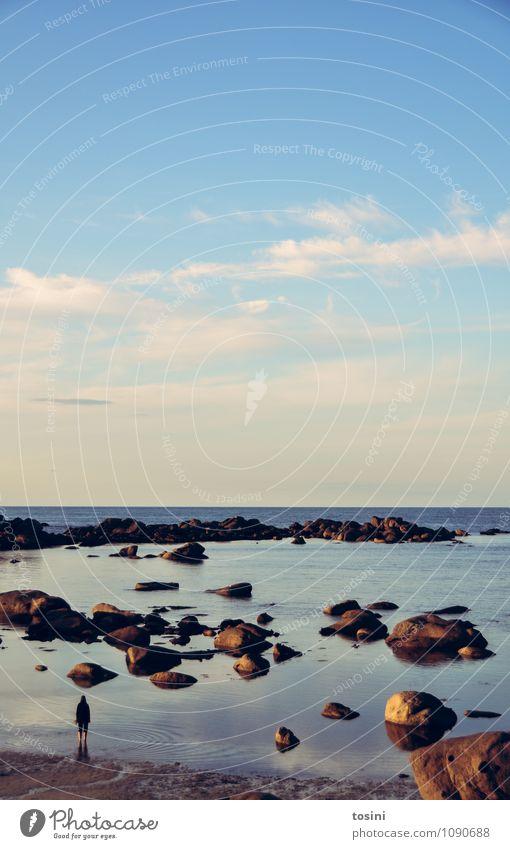 Big Nature [1/2] Landschaft Wasser Himmel Wolken Schönes Wetter Küste Strand Bucht Meer blau Ferne Felsen Horizont Mensch ausschalten Urlaubsfoto ruhig