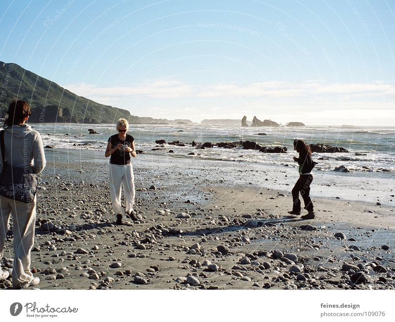 steine von punakaiki Frau Himmel Ferien & Urlaub & Reisen Meer Strand Spielen Stein Pause Spaziergang stoppen Neuseeland Eindruck Pancake Rocks