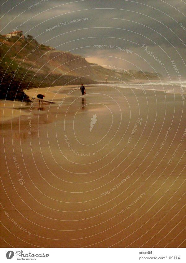 gewitter in biarritz Strand Sport Spielen Sand Regen Wellen Wind Surfen Gewitter Surfer Biarritz