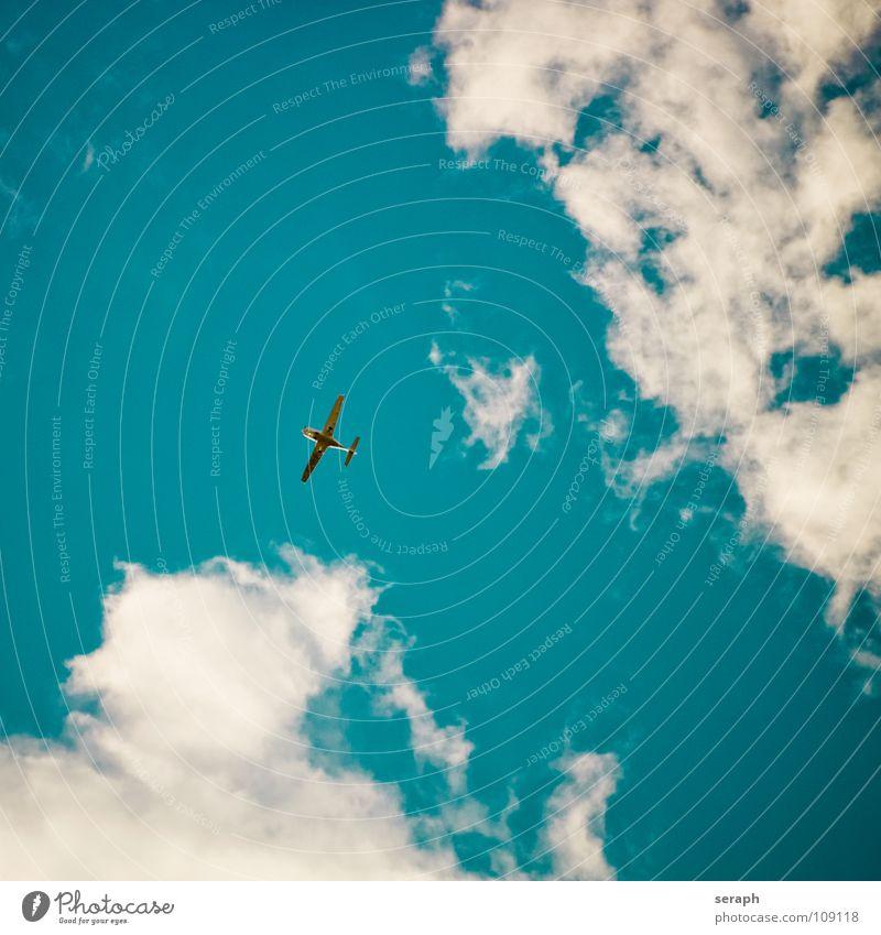 Propellermaschine Himmel Ferien & Urlaub & Reisen Ferne Reisefotografie Freiheit fliegen Verkehr frei Luftverkehr Flugzeug Güterverkehr & Logistik Tragfläche