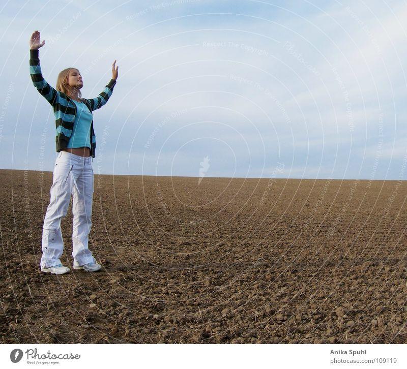 - worship - Mensch Jugendliche Sommer ruhig Wolken Erholung feminin Freiheit Zufriedenheit Religion & Glaube Feld Hoffnung Frieden Gebet Schönes Wetter