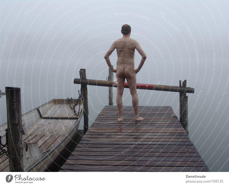 Am See Mann nackt Akt