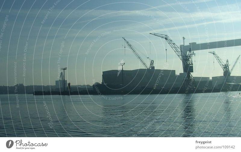 Kai ganz groß Anlegestelle Promenade See Wasserfahrzeug Kran Industrie Kiel före Hafen Ostsee