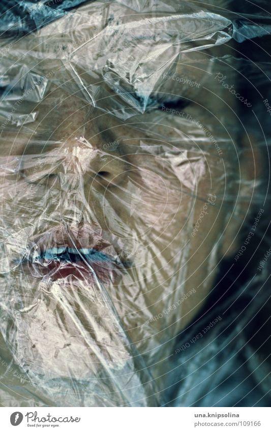 frisch verpackt Jugendliche alt Tod Luft Angst geschlossen Krankheit atmen Panik Leiche Folie Lunge beklemmend fassungslos