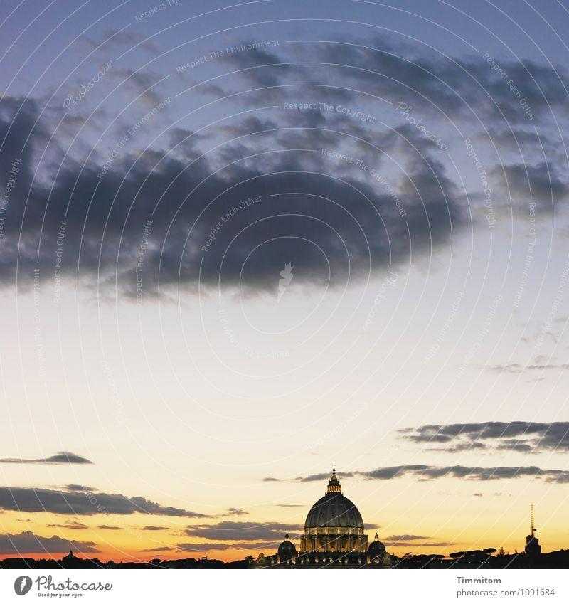 Irgendwo in Italien (14). Himmel Wolken Frühling Schönes Wetter Rom Bauwerk Gebäude Architektur ästhetisch blau gold schwarz Gefühle Glaube Religion & Glaube