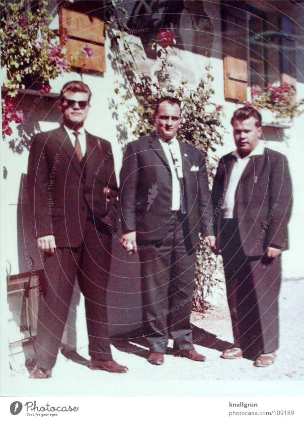 Der gutausehende ist mein Papa Mann Sommer Haus 3 Coolness Anzug Sonnenbrille Sechziger Jahre
