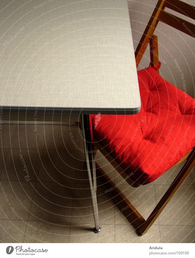 Raum + Tisch + Stuhl rot Holz leer Küche Möbel