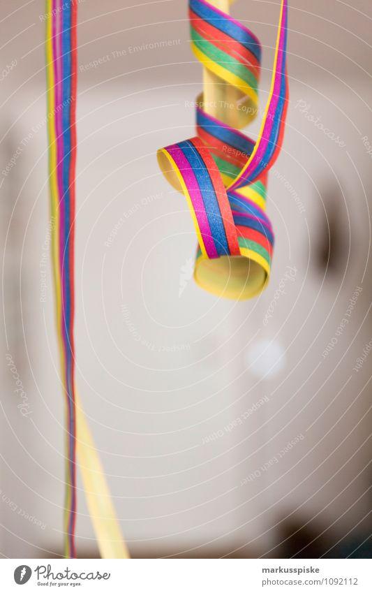 luftschlange karneval Freude Gefühle Stil Glück Feste & Feiern Party Lifestyle Geburtstag Fröhlichkeit Lebensfreude Hochzeit Veranstaltung Karneval Karnevalskostüm ausgehen Luftschlangen