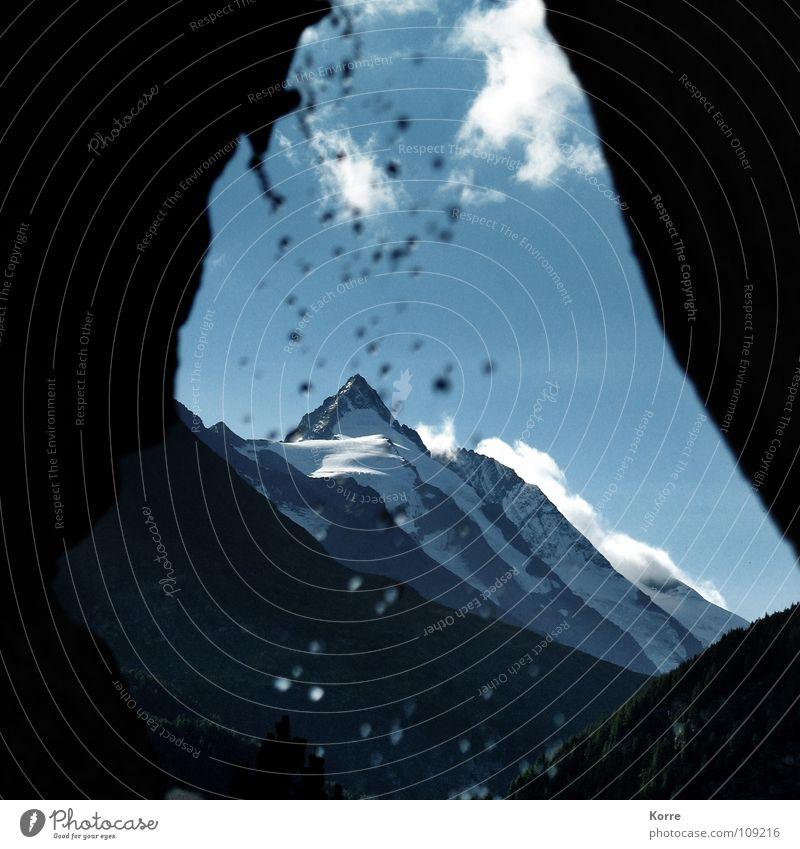 Out of the Cave Himmel Natur blau Landschaft Berge u. Gebirge kalt Felsen Wassertropfen Gipfel Alpen Schneebedeckte Gipfel Umweltschutz Schlucht aufsteigen Höhle Bergkette