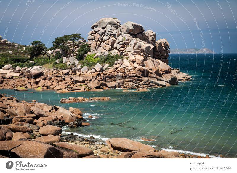 ob das hält? Natur Ferien & Urlaub & Reisen blau Sommer Baum Meer Landschaft Ferne Küste braun Felsen Horizont Tourismus Klima Ausflug Schönes Wetter