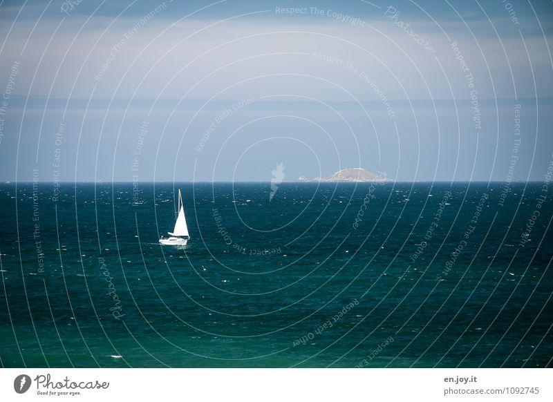 Land in Sicht Freizeit & Hobby Segeln Ferien & Urlaub & Reisen Ausflug Abenteuer Ferne Sommerurlaub Meer Wassersport Natur Landschaft Wolkenloser Himmel
