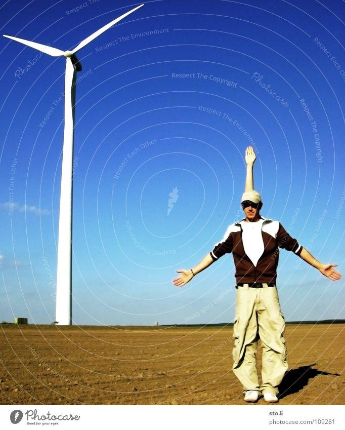 die imitation Mensch Himmel Jugendliche blau Freude Umwelt Metall Wind Arme 3 Energiewirtschaft Elektrizität Kreis Turm Industrie Windkraftanlage