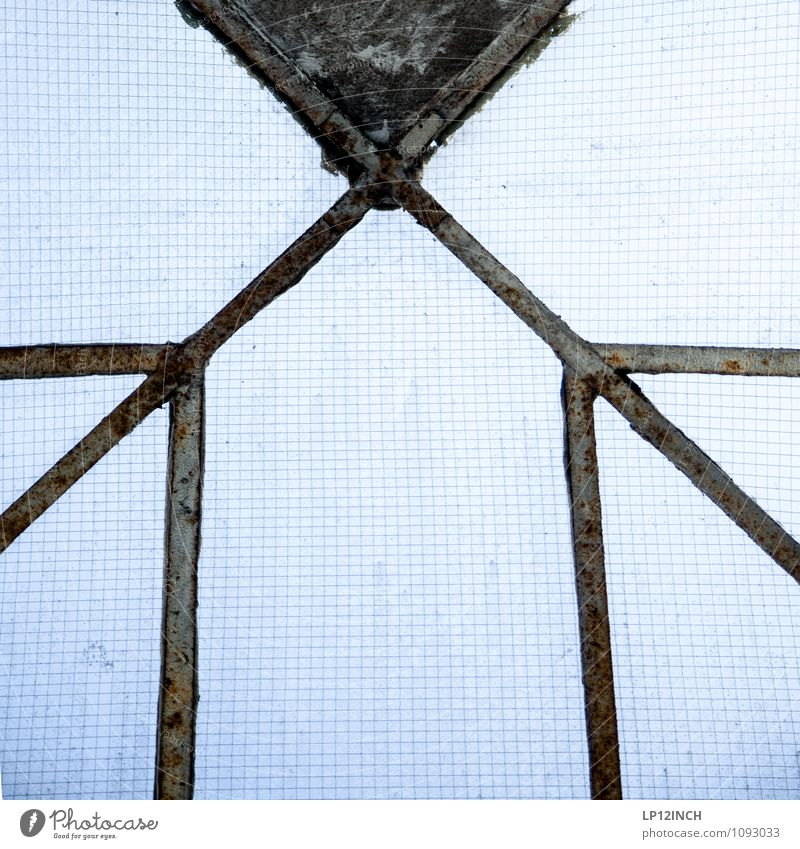 STUDIO TOUR | >X< blau Haus Fenster Linie Design Glas Dach retro Fabrik kariert Symmetrie Dachfenster