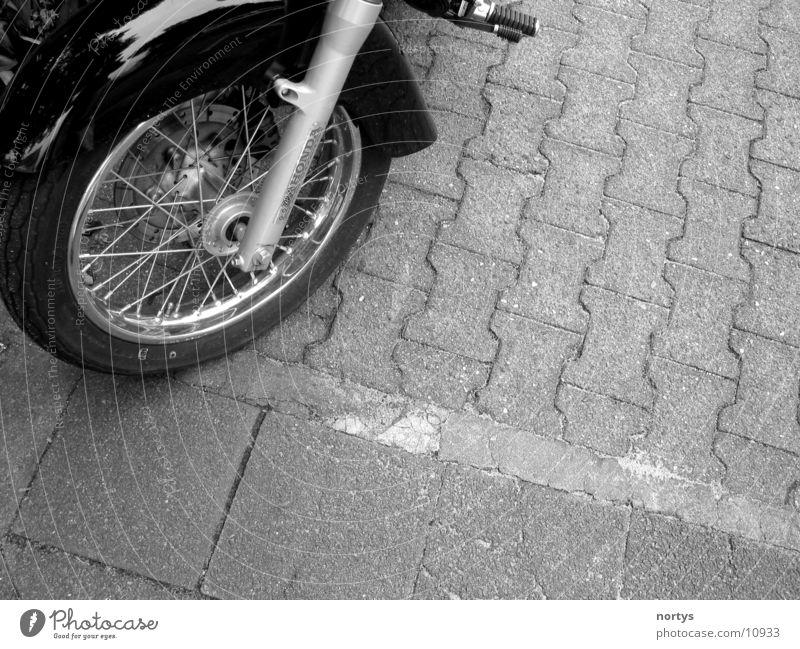 Wroooom___ Motorrad schwarz Speichen