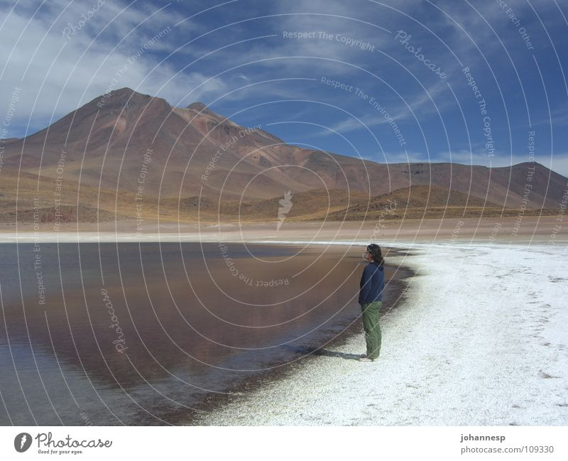 Stille Frau ruhig Einsamkeit Berge u. Gebirge See Blauer Himmel Vulkan Salzsee