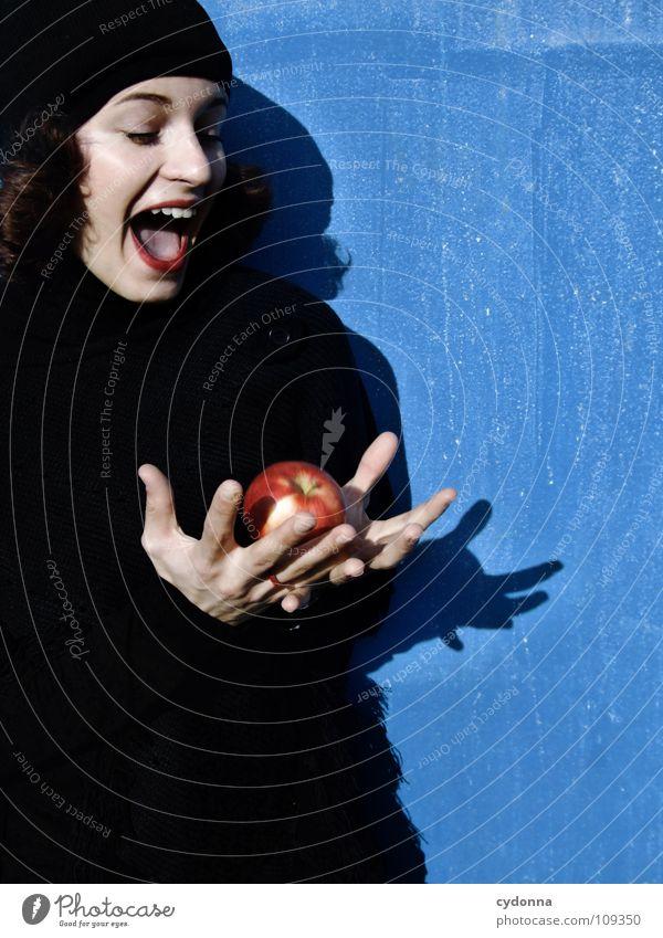 All about Eve XIV Herbst Jahreszeiten Frau Industriegelände schön Porträt entdecken Ernährung Symbole & Metaphern Versuch geheimnisvoll Baskenmütze Mütze
