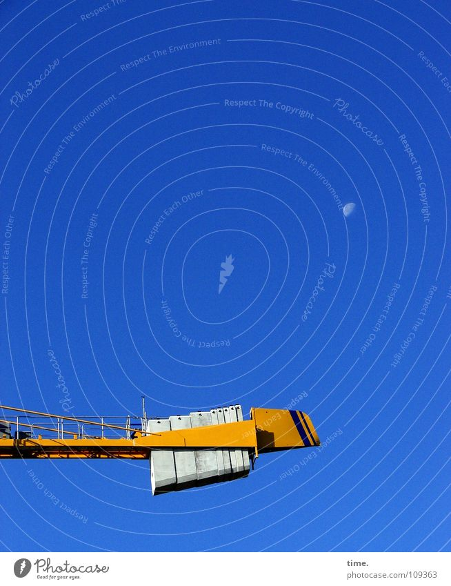 Work Side of the Moon Himmel blau gelb Arbeit & Erwerbstätigkeit Bewegung Metall Beton hoch Güterverkehr & Logistik Baustelle Turm Mut Dienstleistungsgewerbe