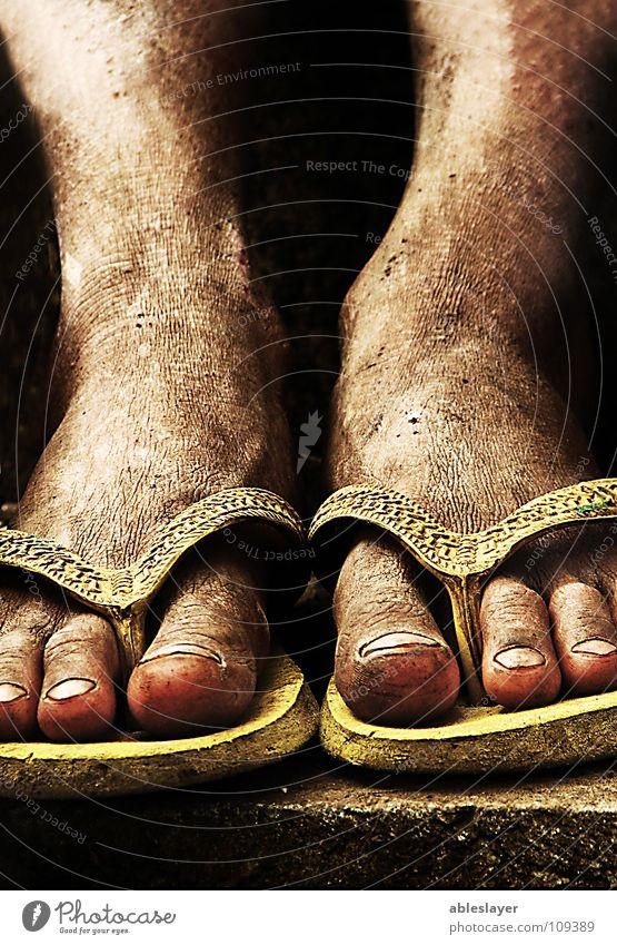 Tired Feet Straße Fuß gefährlich Stoff Hausschuhe