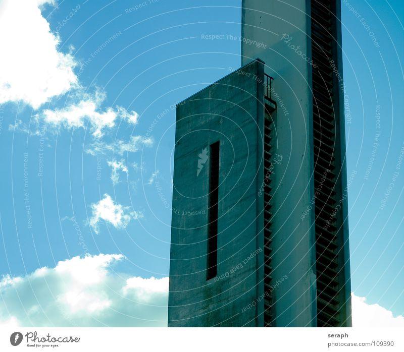 Kirchturm Bauwerk vertikal Wolken Beton Kunst Fenster Fassade Plattenbau abstrakt Haus Gebäude Architektur Gotteshäuser Himmel Turm Campanile Glockenturm modern