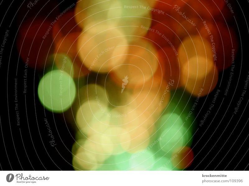 Lichttrauben abstrakt Kreis Nacht rot grün gelb Ausgang Nachtleben Unschärfe Farbe Lampe Punkt night
