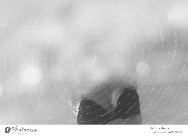 or noir Erotik Schwimmen & Baden Kunst Perspektive ästhetisch Frauenbrust Kunstwerk Sexualität verführerisch BH Badeanzug Frauenkörper Sexuelle Neigung