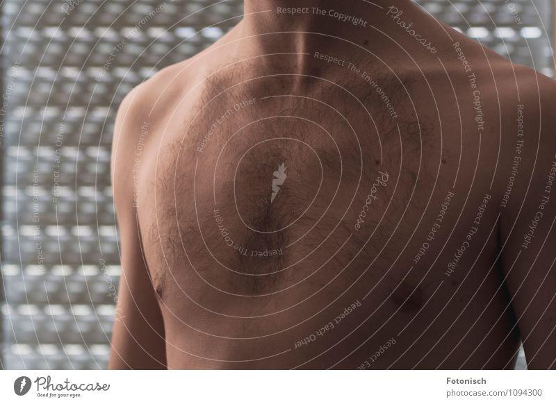 Männerbrust Mensch maskulin Haut Brust 18-30 Jahre Jugendliche Erwachsene Erotik nackt dünn Farbfoto Innenaufnahme Studioaufnahme Nahaufnahme Akt Morgen