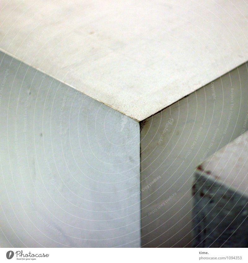 HMV   Eckstoß Requisit Kasten Kiste Holzfaserplatte lackiert Kunststoff Linie Ecke Strukturen & Formen alt dreckig rebellisch trashig Zufriedenheit