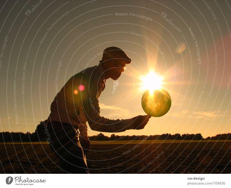die leuchtboje Luftballon Sonnenbrille Mütze Körperhaltung Spaziergang Pendler atmen maskulin wo Gelände Photo-Shooting Fotografie Medien Fotografieren Blatt
