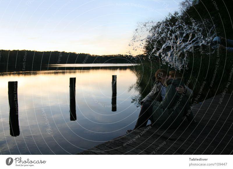 Harmony. Disrupted! (2) Wasser ruhig Paar See nass Steg spritzen Eimer