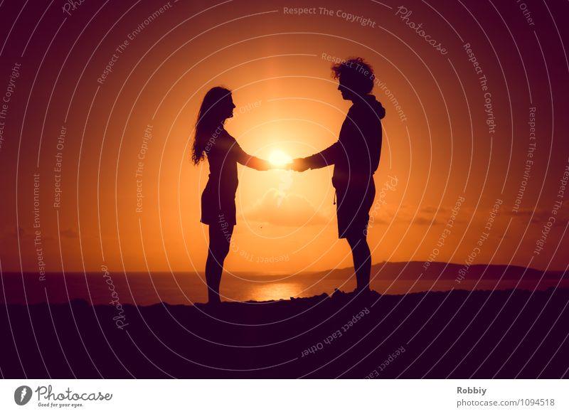 Du & Ich II Mensch Himmel Sonne Meer Landschaft Strand Gefühle Liebe Küste Glück Paar Zusammensein Horizont Freundschaft orange Lebensfreude