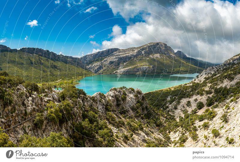 Serra de Tramuntana - Cuber Stausee Natur Landschaft Wasser Wolken Sommer Schönes Wetter Sträucher Felsen Berge u. Gebirge See Wärme Einsamkeit Erholung