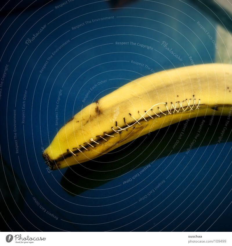 verflixt und zugenäht .. blau Freude gelb Ernährung PKW Frucht Witz Nähgarn Blech Schalen & Schüsseln Lack Unsinn Banane krumm Naht Humor