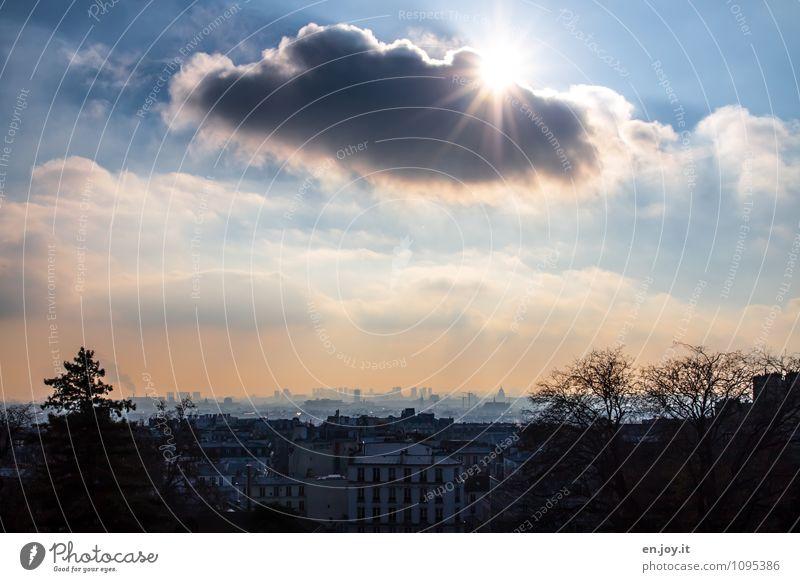 Schattenspiele Himmel Ferien & Urlaub & Reisen Stadt blau Wolken Haus Ferne Umwelt Traurigkeit Gebäude Horizont Wachstum leuchten Klima Ausflug Zukunft
