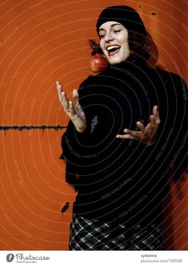 All about Eve XVI Herbst Jahreszeiten Frau Industriegelände schön Porträt entdecken Ernährung Symbole & Metaphern Versuch geheimnisvoll Baskenmütze Mütze