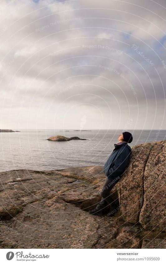 westkueste, Schweden 5 Mensch Frau Himmel Erholung ruhig Erwachsene Küste Stimmung Felsen träumen Zufriedenheit genießen Ausflug einzigartig Pause Glaube