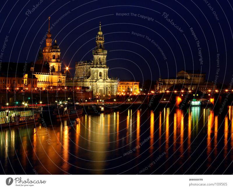 Altstadt-Dresden Wasser Wasserfahrzeug Fluss Nacht Elbe Oper Semperoper Dampfschiff Hofkirche