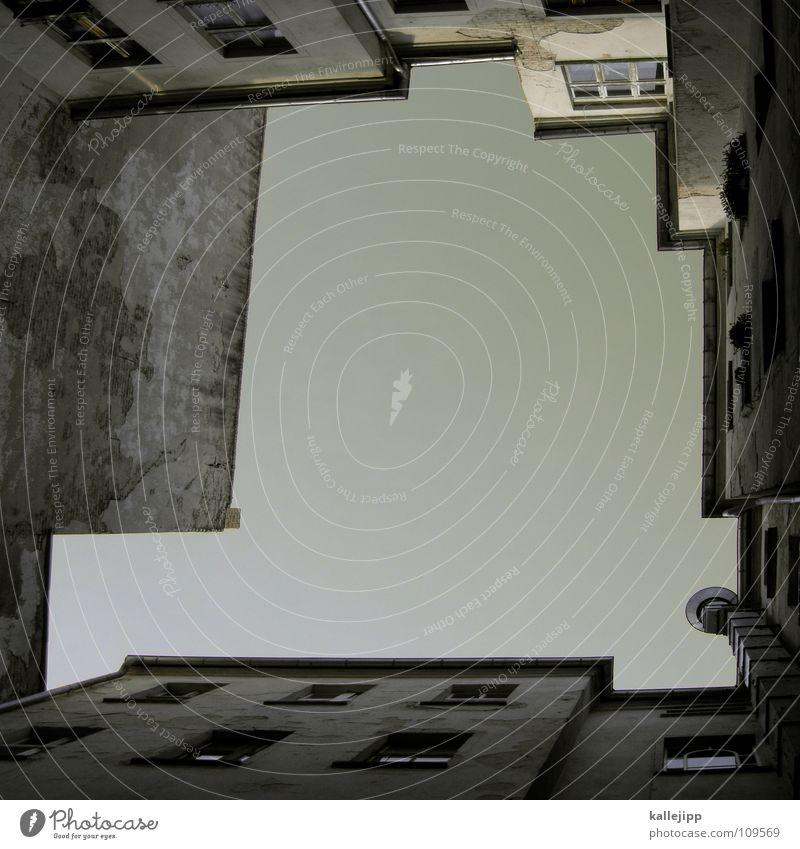 in allen ecken muss liebe drin stecken Himmel Haus Berlin Wand Fenster Raum Architektur leer Ecke Aussicht Häusliches Leben Bauernhof Grenze Verfall Miete
