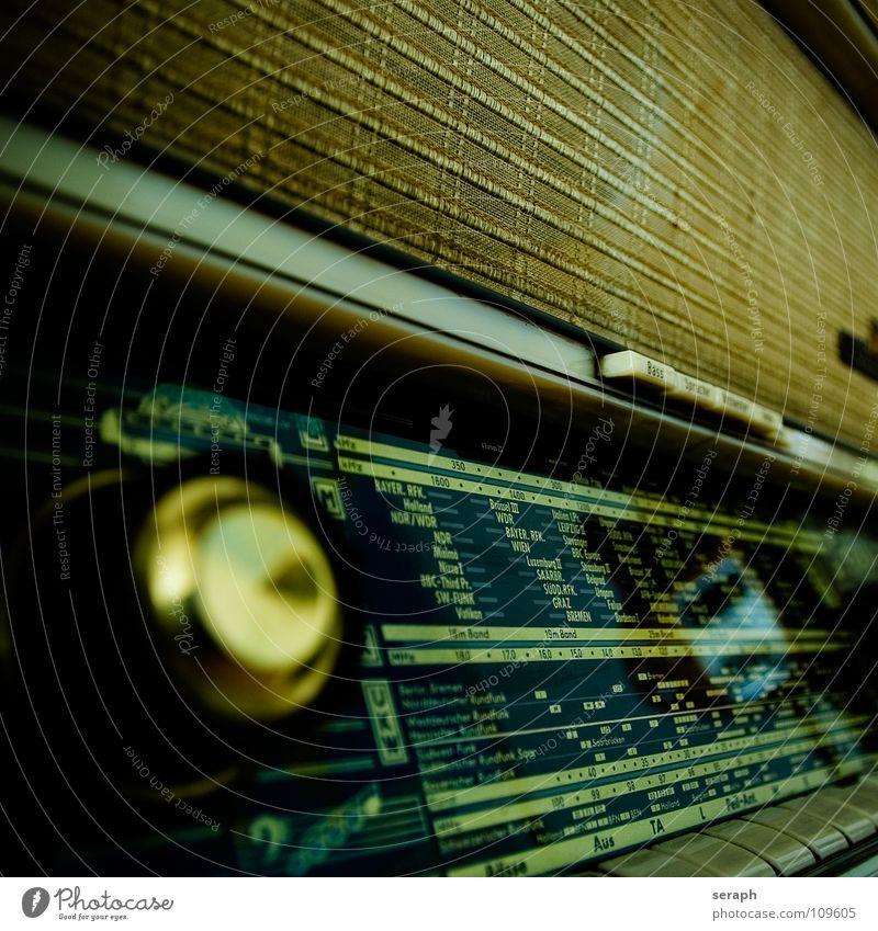 Video killed the radio star alt Musik Kommunizieren Telekommunikation historisch Möbel analog Nostalgie Radiogerät Schalter Lautsprecher antik Originalität