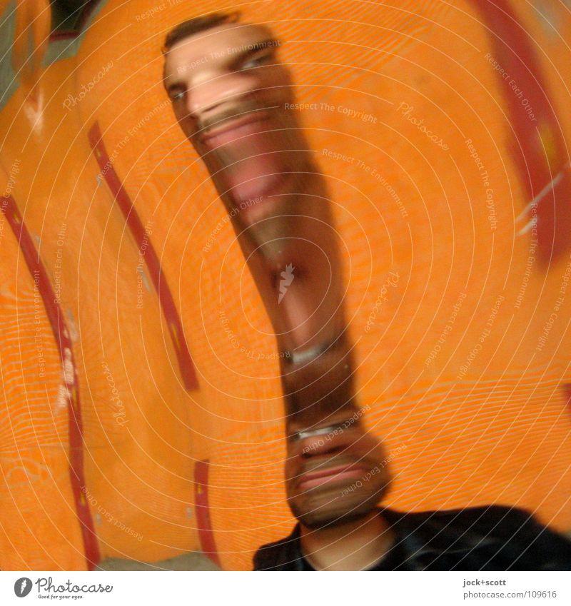 Zerren Mensch Mann Gesicht Erwachsene Angst orange verrückt beobachten Wandel & Veränderung Fliesen u. Kacheln Spiegel Grenze Momentaufnahme Irritation Stress