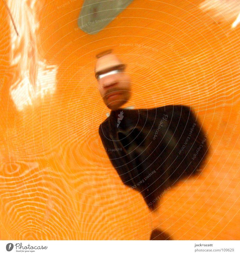 Verzerrtes Portrait Mann 1 Mensch 30-45 Jahre Wand Spiegelbild träumen hässlich lustig verrückt trashig orange Gefühle Nervosität verstört erleben Identität
