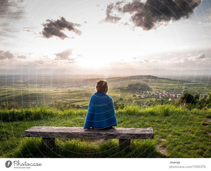 Guten Abend Mensch feminin Junge Frau Jugendliche 1 Natur Landschaft Himmel Wolken Sonne Sommer Herbst Schönes Wetter Gras Hügel Weinberg Weinbau Aussicht