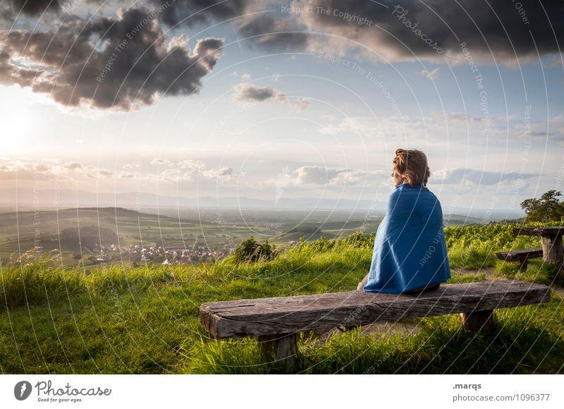 Einst feminin Junge Frau Jugendliche 1 Mensch Landschaft Sommer Schönes Wetter Gras Bank Denken Erholung sitzen Geborgenheit ruhig Hoffnung Ziel Zukunft