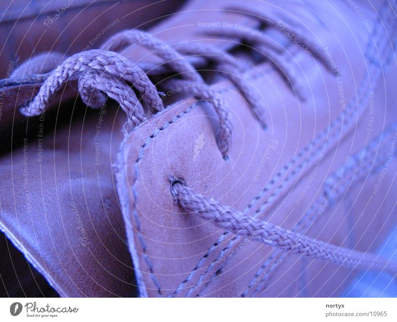 My blue shoes blau Schuhe braun gehen Dinge Leder Geruch einpacken Schuhbänder Übelriechend