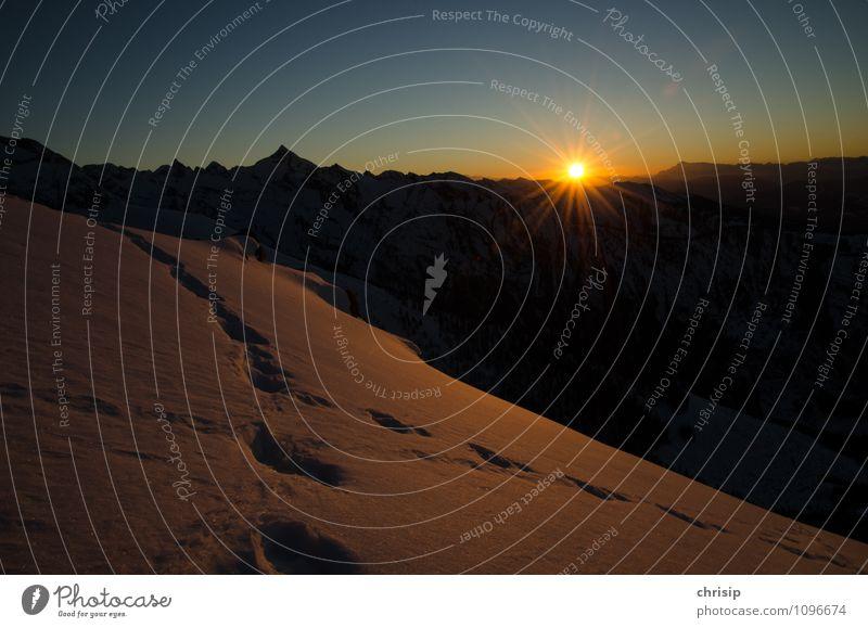 genug für heute Umwelt Natur Landschaft Himmel Wolkenloser Himmel Horizont Sonne Sonnenaufgang Sonnenuntergang Sonnenlicht Winter Wetter Schönes Wetter Schnee