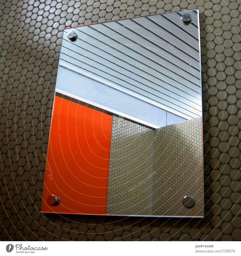Umkleide im Spiegel Design Wand Niete retro orange Fliesen u. Kacheln Ecke Spiegelbild Wabenmuster Sinnestäuschung Einblick Achtziger Jahre Lamelle abstrakt