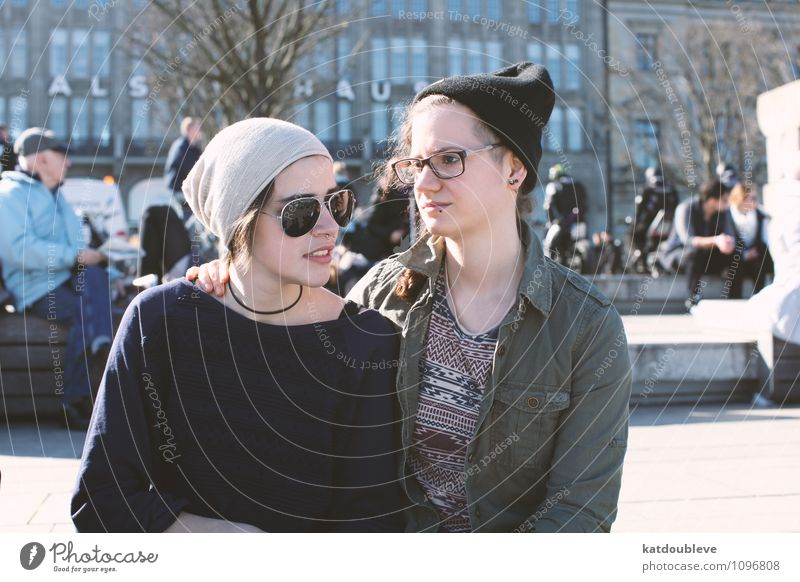 it could be sweet feminin androgyn Homosexualität 2 Mensch Erholung genießen hängen Lächeln träumen Traurigkeit authentisch Bekanntheit einfach frisch