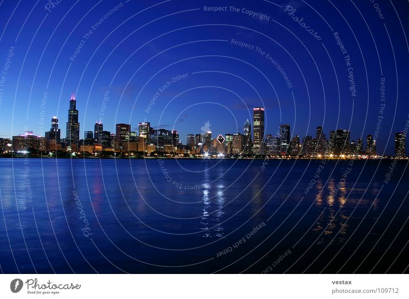 Chicago Skyline Dämmerung Hochhaus Sears Tower Lake Michigan Shedd Aquarium blau Licht Wasser